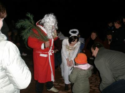 Foto zu Meldung: Kleiner….. aber gemütlicher Weihnachtsmarkt am und im JC Schilda