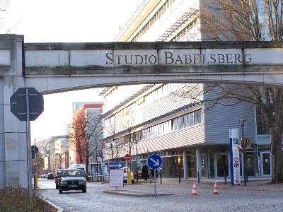 potsdam filmstudio babelsberg will flughafen tempelhof nutzen. Black Bedroom Furniture Sets. Home Design Ideas