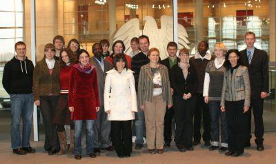 Foto zu Meldung: Studierende der Theologischen Hochschule Friedensau zu Gast im Deutschen Bundestag