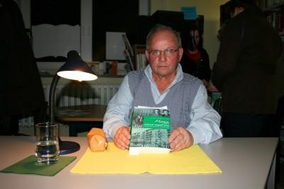 """Foto zu Meldung: """"Marga, Unkraut vergeht nicht"""" - Lesung mit Klaus Hoferichter am 4. März 2009 in der Bibliothek Wusterhausen"""