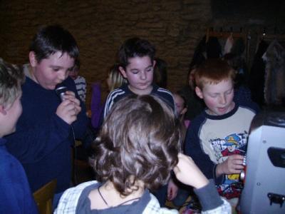 Foto zur Meldung: Lesenacht der Klasse 4a auf der Wasserburg Egeln
