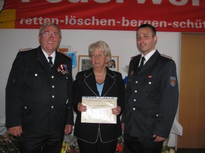 Foto zu Meldung: Festkommerz zum 110. Geburtstag der Freiwilligen Feuerwehr Putbus