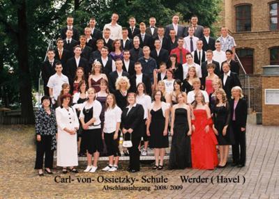 Vorschaubild zur Meldung: Herzlichen Glückwunsch an den Abschlussjahrgang 2008/2009 der Carl- von- Ossietzky- Schule Werder (Havel)