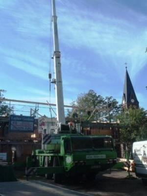 Foto zu Meldung: Dachstuhl wird gerichtet