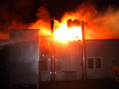 Foto zu Meldung: Großbrand einer Tischlerei in Bergen auf Rügen