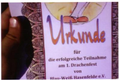 Foto zu Meldung: Drachenfest auf dem Sportplatz von Blau-Weiß Hasenfelde e.V.
