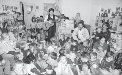 Foto zur Meldung: Bescherung vorab: Knuddeltiere für Geburtstagskinder