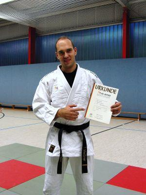 Foto zur Meldung: Erfolgreiche Schwarzgürtprüfung im Ju-Jutsu