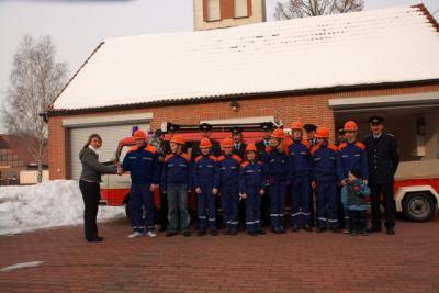 Foto zu Meldung: Neue Technik für die Jugendfeuerwehr Lindena