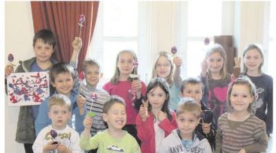 Foto zur Meldung: Freundeskreis der Kinder von Burgschwalbach:  14 Burgschwalbacher Mädchen und Jungen basteln Osterschmuck