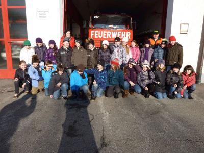 Foto zu Meldung: 25 Kinder inspizierten das Feuerhaus