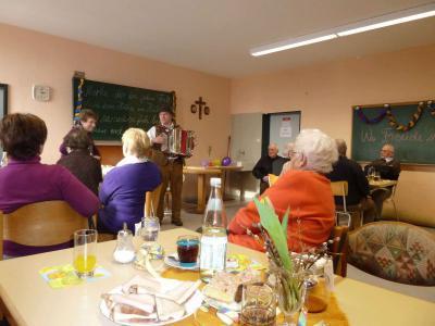 Foto zur Meldung: Faschingsparty bei den Senioren