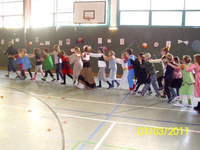 Foto zu Meldung: Die Narren sind los! in der Grund- und Oberschule Schenkenland