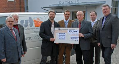 Vorschaubild zur Meldung: Sinntaler Apotheker spenden 500 EURO für soziale Einrichtungen