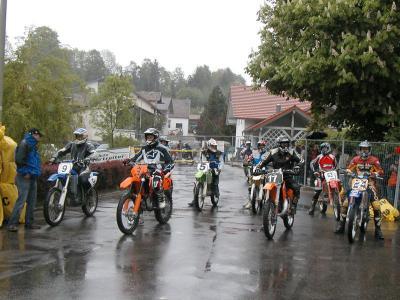 Foto zu Meldung: Eine Legende kehrt zurück – in Prackenbach heulen wieder die Motoren