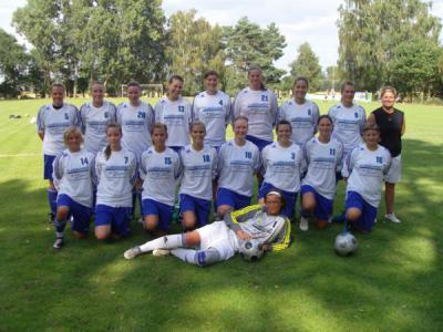 Foto zur Meldung: Frauenfussballerinnen Meister und Aufsteiger