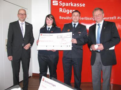Foto zu Meldung: Kreissparkasse Rügen unterstützt Putbusser Jugendfeuerwehr