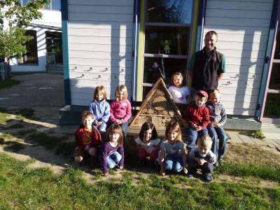 Foto zur Meldung: Insektenhotel im Kindergartens