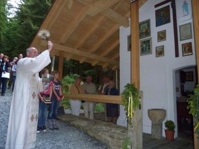 Foto zur Meldung: Maiandacht an der Kesselbodenkapelle
