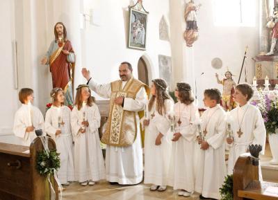 Foto zur Meldung: Sieben Erstkommunikanten hielten Mahlgemeinschaft mit Jesus
