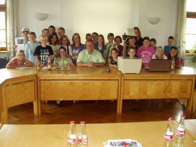 Foto zu Meldung: Interessante Schulstunde im Rathaus