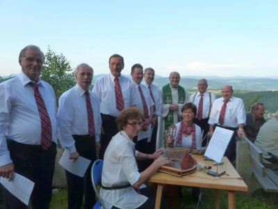 Foto zur Meldung: Fünfter Berggottesdienst am Aussichtspunkt