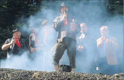 Foto zur Meldung: Einblicke in die historische Welt der Harzer Köhlerzunft