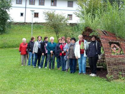Foto zur Meldung: Damenriege im Golddorf-Altnußberg