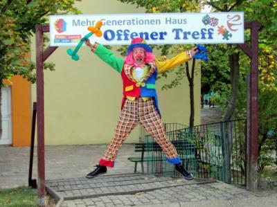 Vorschaubild zur Meldung: Clown Luftikus lädt ein: Kinderkleiderbörse  am 24. September 2011 ab 14 Uhr im Mehrgenerationenhaus Zielitz