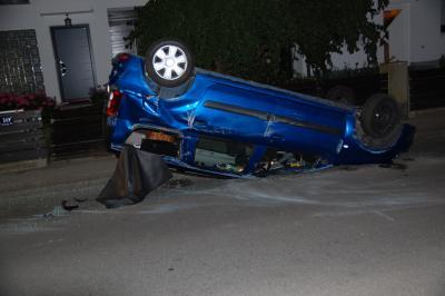 Foto zur Meldung: Verkehrsunfall in Weichs - Absicherung Unfallstelle