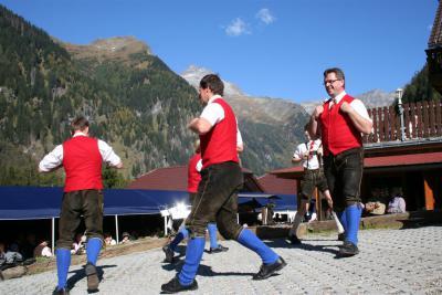 Vorschaubild zur Meldung: Feier zum 15 Jährigem Bestehen der Wolfener Hütten