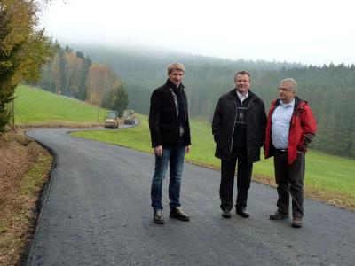 Foto zu Meldung: Asphaltierungen für 100.000 € an Gemeindeverbindungsstraßen noch vor Wintereinbruch