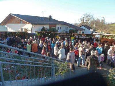Foto zur Meldung: 14. Moosbacher Dorfweihnacht ein Riesen Erfolg