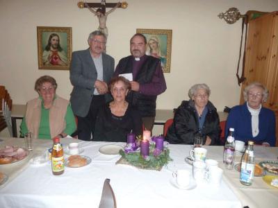 Foto zur Meldung: Stimmungsvolle adventliche Feier – Musikalische Unterstützung lieferte Lieselotte Vogl