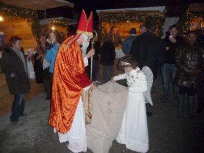Foto zu Meldung: Christkindlmarkt auf dem Huberhof