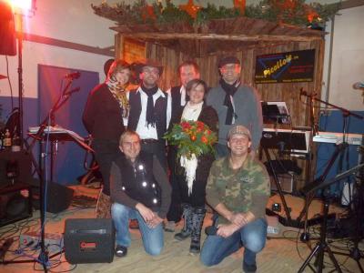Foto zu Meldung: Life-Auftritt des Deutschen Schlagerstars Nicky beim Weihnachtsmarkt