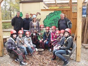 Foto zur Meldung: Jugendfeuerwehr im Kletterpark