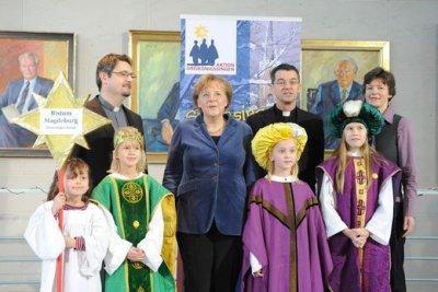 Foto zur Meldung: Sternsinger zu Besuch bei der Bundeskanzlerin