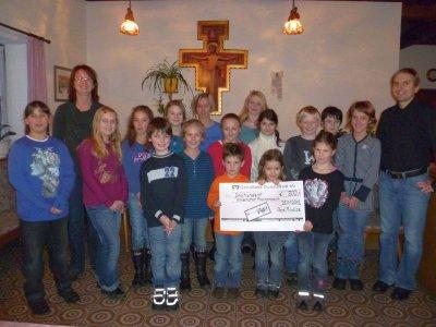Foto zur Meldung: Spende von den Picollos durch den Hagengruber Dorfverein