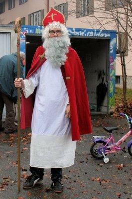 Vorschaubild zur Meldung: Nikolaus in der Fahrradwerkstatt