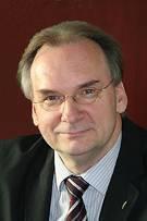 Vorschaubild zur Meldung: Der Ministerpräsident des Landes Sachsen-Anhalt, Dr. Reiner Haseloff, übernimmt die Schirmherrschaft über das Workcamp 2012