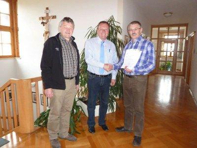 Foto zu Meldung: Fördermittel für Abwasseranlage Prackenbach (BA 15) offiziell bewilligt