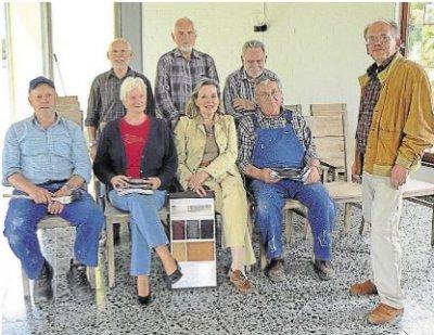 Foto zur Meldung: Ortsgemeinde:Aktive Bürger renovieren Burgschwalbacher Trauerhalle