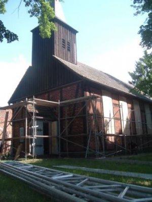 Foto zur Meldung: Sanierung der Kirche in Zellendorf hat begonnen