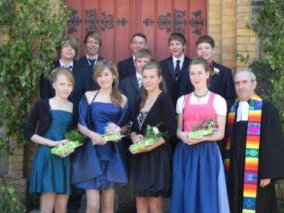 Foto zu Meldung: Du sollst ein Segen sein! - Konfirmation 2012