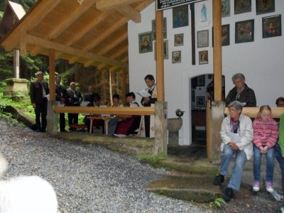 Foto zur Meldung: Letzte Maiandacht bei der Kesselbodenkapelle am 31. Mai 2012