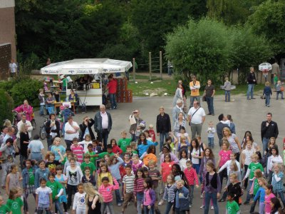 Foto zur Meldung: Großartiges Schulfest mit vielen Aktivitäten zum Schuljahresende