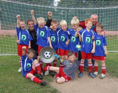Foto zur Meldung: F-III-Junioren der JSG Hevesen/Hespe Staffelsieger der F-II-Junioren