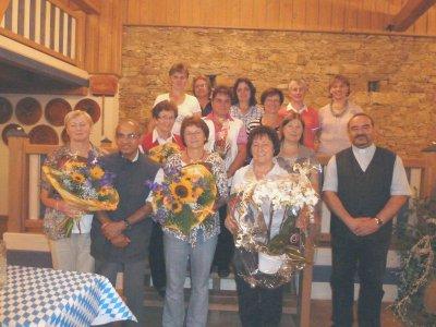 Foto zur Meldung: Eine Feier in die Sommernacht – Marianne Vogl zum Ehrenmitglied ernannt