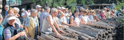 Foto zur Meldung: Tausende Besucher feiern rund um die Holzkohle - Köhlerverein gewinnt neue Mitglieder / Zentrum wächst